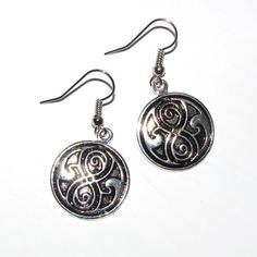 Dr Who Tardis Seal of Rassilon Earrings  Doctor Who by AvenueB, $15.00