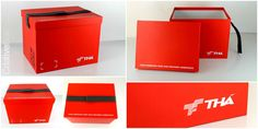 Embalagem THá Construtora - Caixa em papelão horlle com revestimento em papel color plus vermelho e com laminação fosca, cinta com fechamento em velcro, e adesivo de recorte. #Criativebox  #Embalagem #construtoraTha  #Caixapersonlizada #Tha
