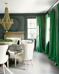 Its spring. Who doesnt enjoy a splash of green inside? Curtains on the blog today! Pic from @verandamag #green #diningroom #diningtable #diningroomdesign #diningroomdecor #CopyCatChic