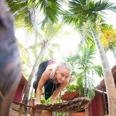 #karosharma #trimurtiyoga #bakasana #Goa #yogaphotography