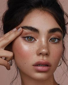 Gamine makeup looks