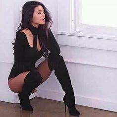 Ariana Grande hair down, outfit Ariana Grande Legs, Ariana Grande Outfits, In Pantyhose, Nylons, Deepika Padukone, Tumbrl Girls, Sexy Boots, High Boots, Woman Crush