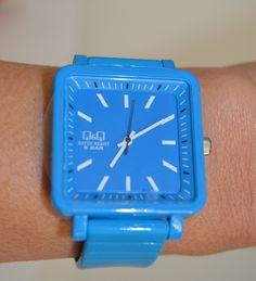 Часовник в синьо - Q&Q, Онлайн магазин Моник