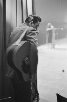 """postmillenialmachinelove: """" Johnny Cash, White Plains, NY, 1959 """" The Man in Black Happy Birthday Johnny Cash, Johnny And June, Hurt Johnny, Here's Johnny, Rock And Roll, Historia Do Rock, Musica Country, Music Rock, Vintage Rock"""