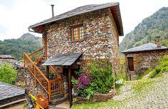 Num país repleto de pequenos e encantadores recantos que convidam ao descanso, conheça os 20 melhores locais para fazer turismo rural em Portugal.