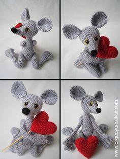 Amigurumi 5 ways jointed Mouse Pattern by Denizmum on Etsy Amigurumi 5 formas articuladas Mouse Pattern de Denizmum en Etsy Crochet Mouse, Crochet Amigurumi, Cute Crochet, Crochet For Kids, Amigurumi Doll, Amigurumi Patterns, Crochet Dolls, Crochet Baby, Knit Crochet