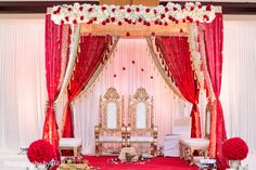 Floral & Decor http://maharaniweddings.com/gallery/photo/27397