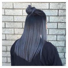 Cool grey / blue tones