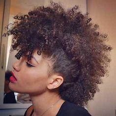 4. Curly Mohawk Frisuren für Schwarze Frauen 2017