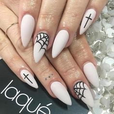 Halloween is everyone's favorite time of year. And Halloween nail art is so much fun! Check out these spooky ideas for Halloween nails to get your scare on! Bling Nails, Goth Nails, Stiletto Nails, Grunge Nails, Halloween Acrylic Nails, Halloween Nail Designs, Halloween Decorations, Toe Nail Designs, Acrylic Nail Designs