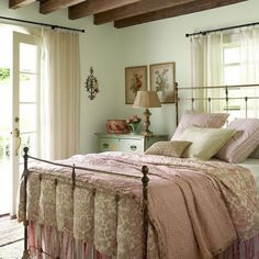 Cosy Home: Bedrooms...... (the pink and apple green colour is a pretty combination for a bedroom)