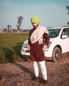 Punjabi Kurta Pajama Men, Punjabi Boys, Kurta Men, Designer Suits For Wedding, Wedding Suits, Cute Indian Boys, Wine Presents, Chocolate Rabbit, Mini Hands