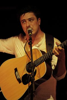 PRESS PLAY ▶ Mumford and Sons - Little Lion Man. LOVE these guys!