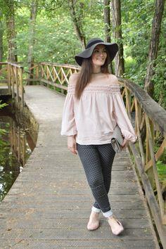 #looks #outfits #summer #verano #2017 #luztieneunblog #offtheshoulder #cita #findesemana #entretiempo #casual #lunares #primavera #trendy #clase #sombrero #compras #diario #chic #verano #sport #jeans #azul #otoño #deportivo #choker #fashionblogger