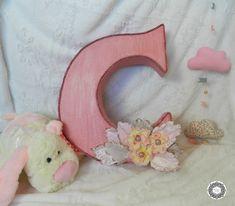 Furniture Makeover, Diy Furniture, Carton Diy, Diy Bebe, Blog Deco, Diy Tutorial, Creations, Pillows, Decoration