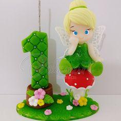 É esses topinhos da TinkerBell?! Muito amor por esse tema! ❤️ #sininho #tinkerbell #peterpan #festapeterpan #festatinkerbell #festasininho #decoracaodefestainfatil #biacuit #topodebolo