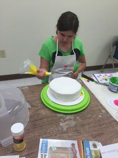 11 Best Wilton Cake Decorating Classes at Hobby Lobby..come join