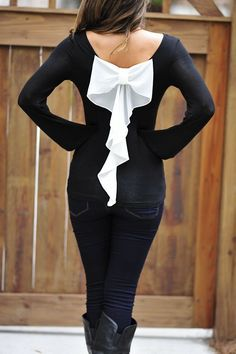 White back bow black blouse