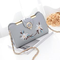 7a7c20e845 Women s Bag Female Flower Embroidery Handbag for 2018 New Luxury Shoulder  Bag Design Women Messenger Bag Envelope Crossbody Bags