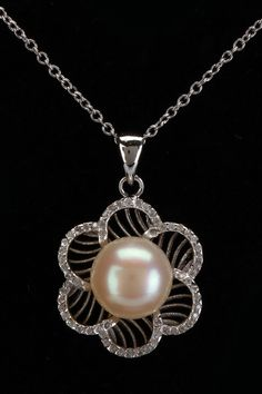 Pearls 9-9.5mm Pearl & Zirconia Flower Pendant In White -