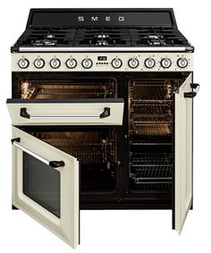 Modern Country Style: Modern Country Loves: Smeg Victoria Range Cooker Click through for details. Smeg Kitchen, Kitchen Stove, Kitchen Appliances, Modern Country Kitchens, Modern Country Style, Kitchen Country, Home Decor Kitchen, Home Kitchens, Ovens