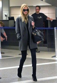 Rosie Huntington-Whiteley - Rosie Huntington-Whiteley Arrives at LAX