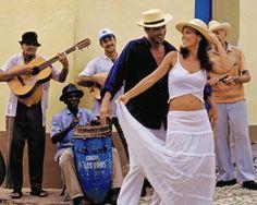 Havana Cuba street music ❤ Some destinations remain for good in ours memory, Cuba is one of them. Baile Jazz, Cuba People, Cuba Street, Cuba Fashion, Havana Nights Party, Cuban Party, Cuban Culture, Cuba Travel, Street Dance