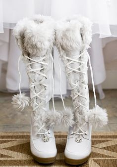 Dear Santa Clause, please bring me these gorgeous Winter Boots :-)