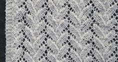 Här är sjalen som har allt. Lättstickad, skir spets med mönster hämtat från sticktraditionen i estniska Haapsalu,