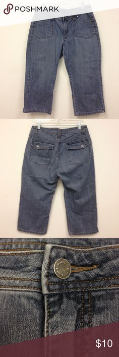 """🌴NEW LISTING🌴Riders Capri Jeans Blue. Inseam 20"""". Size 12M. (7/10) Riders Jeans Ankle & Cropped"""