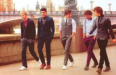 I wanna go... / huge success for One Direction in USA!  see them within north american tour!