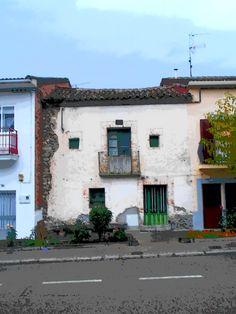 Casa en centro del pueblo de Canencia.
