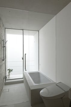 Like we said, simplicity is not overrated especially in this #bathroom. www.budgetbathandkitchen.com