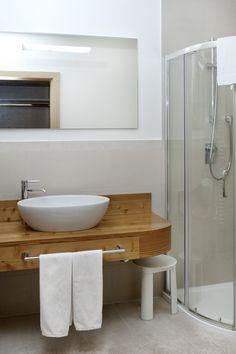 Badezimmer Tyrol Austria, Sinks, Bathrooms, Vanity, Interior, Home, Full Bath, Ideas, Dressing Tables