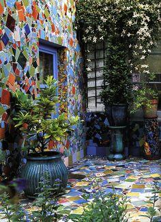 Outdoors Discover mosaic wall and patio by Kaffe Fassett Design Jardin Garden Design Mosaic Glass Mosaic Tiles Stained Glass Mosaic Wall Art Blue Mosaic Tiling Wall Tiles Yard Art, Dream Garden, Home And Garden, Walled Garden, Mosaic Madness, Mosaic Projects, Diy Projects, Mosaic Glass, Stained Glass