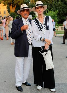 August 2015 - Page 3 of 4 - Advanced Style Older Women Fashion, Womens Fashion, Fashion Edgy, Keep It Classy, Advanced Style, Style And Grace, Old Women, Mom And Dad, Elsa