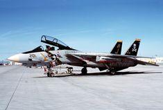 F-14A_VF-84_at_NAS_Fallon_1988.JPEG (2827×1911)