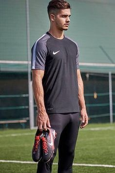 Soccer Players Hot, Football Players Images, Soccer Guys, Hot Men Bodies, Sports Mix, Lycra Men, Funny Sports Pictures, Photography Poses For Men, Hot Hunks