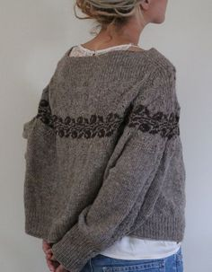 If someone who reads Polish can transform this gorgeous sweater pattern. If someone who reads Polish can transform this gorgeous sweater pattern. Fair Isle Knitting, Easy Knitting, How To Purl Knit, Winter Sweaters, Women's Sweaters, Pulls, Cardigans For Women, Knitwear, Knitting Patterns
