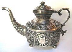 the perfect antique teapot ...