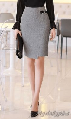 15 pencil skirt office outfits - My Daily Pins Office Skirt Outfit, Office Outfits, Skirt Outfits, Casual Outfits, Maxi Pencil Skirt, Petite Women, Staple Pieces, Top Pattern, Business Women
