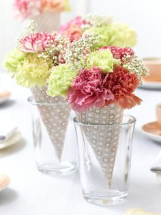 Summer table decorating ideas paper ice cones bouquets