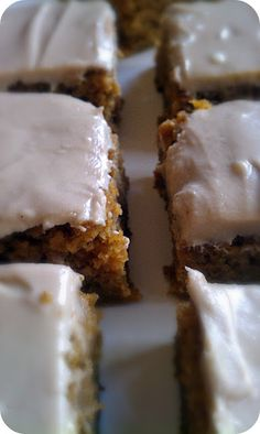 Pumpkin bars with maple cream cheese frosting...ohh hello fall recipie