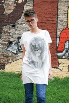 Lion top Short Hair Styles, Lion, Mens Tops, T Shirt, Animal, Fashion, Bob Styles, Leo, Supreme T Shirt