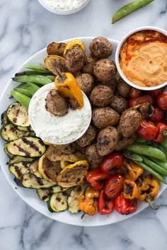 Grilled Vegetable Platter with Lemon-Feta Dip and Roasted Pepper Hummus! Make a giant platter of grilled vegetables and dip ahead of time for no-fuss dinner. BBQ grilled potatoes, any vegetable you want and a salty, tangy dip! Feta Dip, Grilling Recipes, Cooking Recipes, Healthy Recipes, Barbecue Recipes, Barbecue Sauce, Grilled Vegetables, Fresh Vegetables, Food Platters