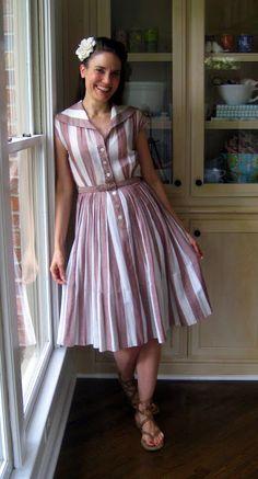 vintage dress....love the dress!