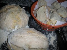 O Barriguinhas: Pão Caseiro Portuguese hard bread, crust great for sopping up all the yummy sauce or making sanquish