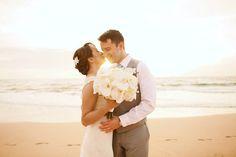 Love this all white bridal bouquet Photo by Anna Kim Photography Maui Beach Wedding