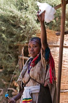 Falasha woman spinning wool near gondar - Ethiopia