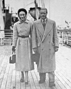 VIP Passengers, the Duke & Duchess of Windsor onboard Queen Mary The Duke of Windsor and his Duchess, the former Wallis Simpson, often travelled aboard the Queen Mary. The couple's favourite stateroom has been renamed the Windsor Suite Wallis Simpson, Queen Mary, Queen Elizabeth, Eduardo Viii, Polo Coat, Savile Row, British Monarchy, Duke And Duchess, British Royals